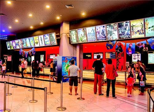 Trụ chắn inox đé chóp phân làn điều hướng lối đi trong rạp chiếu phim