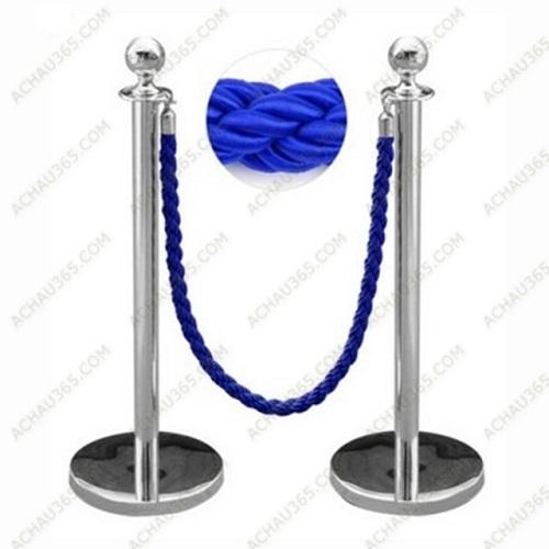 trụ chắn phân làn đầu tròn dây thừng bện xoán màu xanh trùng