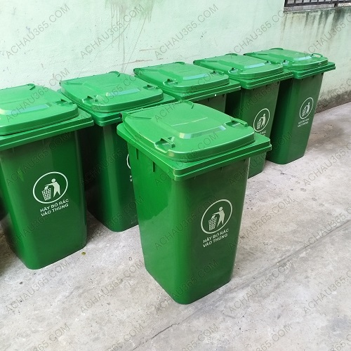 Thùng rác nhauwj HDPE 240 lít màu xanh cho khu dân cư